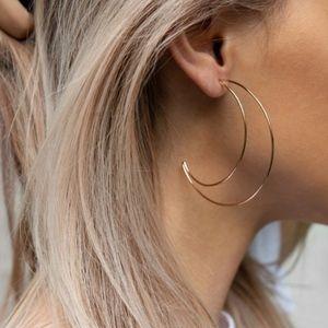 Jewelry - NWT Minimalist gold crescent moon dangle earrings
